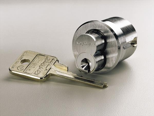 Serrure et clé de la marque KeyMark